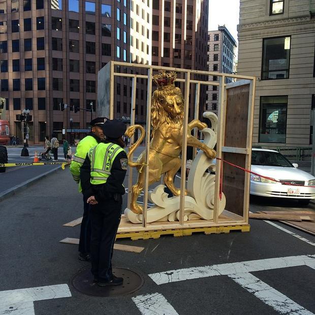 波士顿 - 时间 - 胶囊statue.jpg