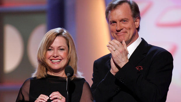 Mom on '7th Heaven' open to reunion show without Stephen Collins