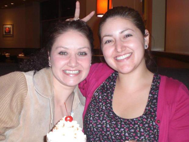 Karla Mendez Brada和她的妹妹Sasha