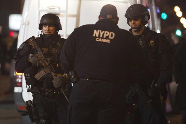 纽约市警察局军官射,scene.jpg