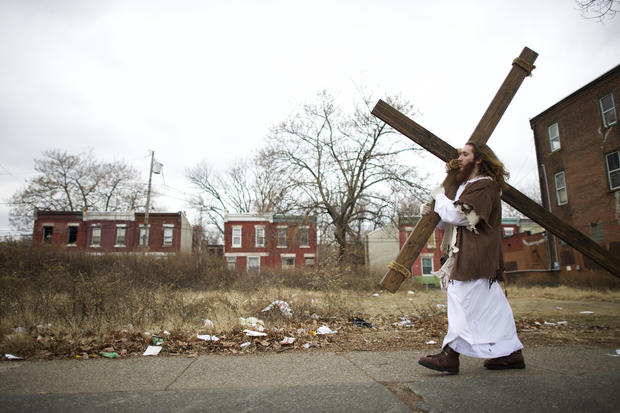 """""""Philly Jesus"""" spreads his message around town"""
