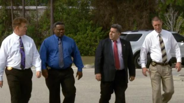 从左起,Major Tod Goodyear,特工Marlon Buggs,中尉Carlos Reyes和特工Wayne Simock