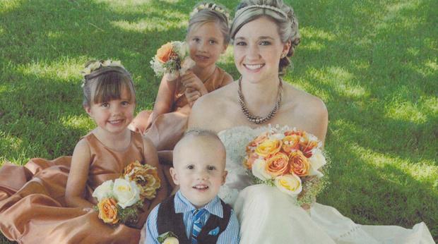 Ashley Fallis和她的孩子们