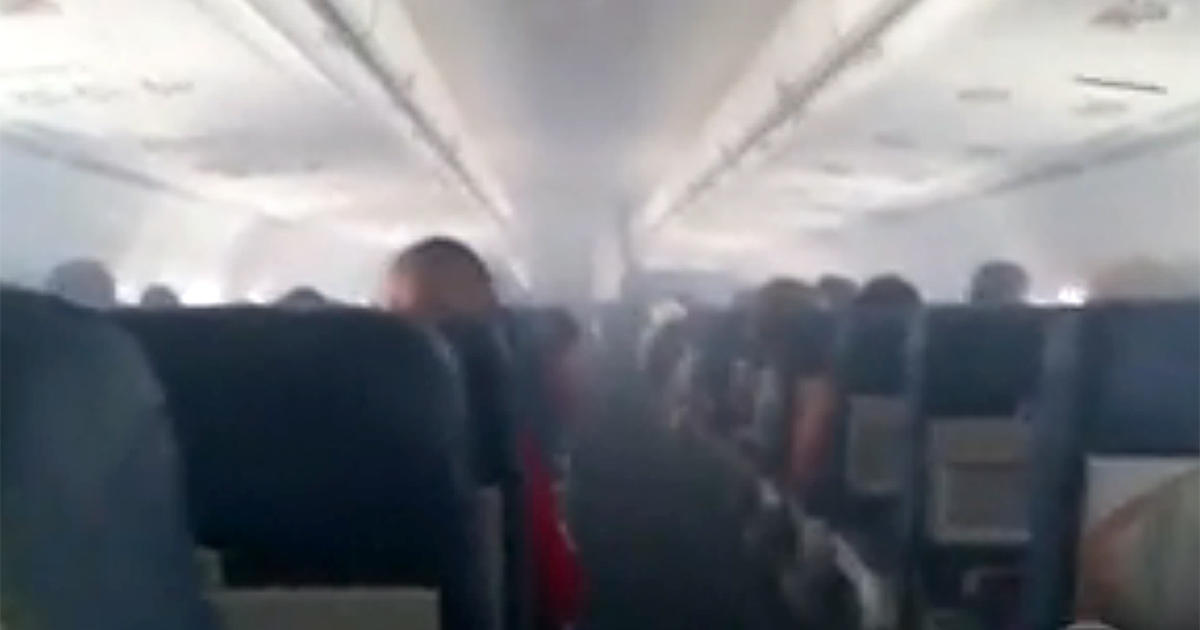 Delta Flight 2028 Cabin Fills With Smoke Scaring