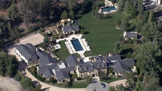 Celebrity Lawns Green Water California Drought