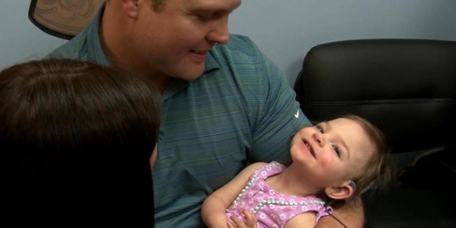 baby born deaf hears parents 39 voices for the first time videos cbs news. Black Bedroom Furniture Sets. Home Design Ideas