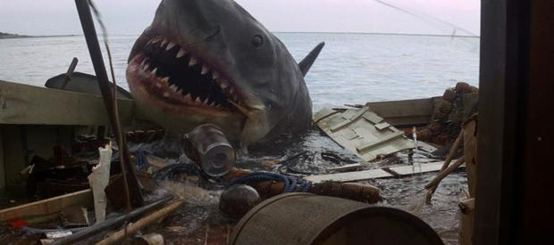 """""""Jaws"""" turns 40: Surprising facts about the first blockbuster"""
