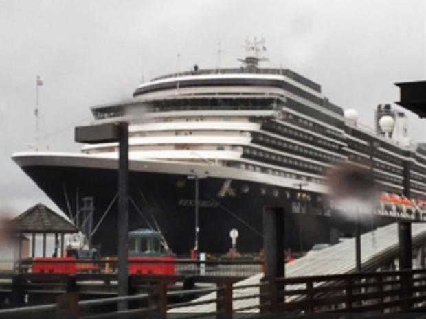荷兰美国线的Westerdam星期四在阿拉斯加凯奇坎港口