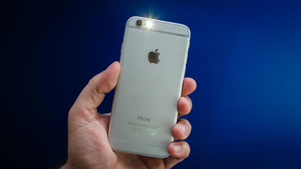 how to turn off iphone 4 flashlight