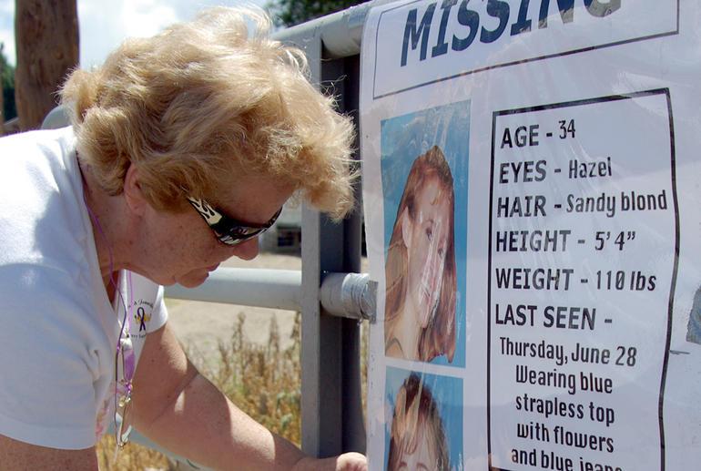 Volunteers help search for missing mom Paige Birgfeld