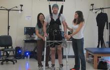 Brain power helps paralyzed man walk again