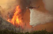 Wildfires threaten homes in Idaho resort town