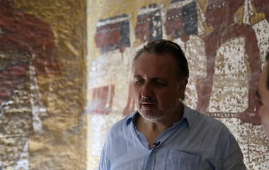 Nefertiti's tomb hiding behind King Tut's?