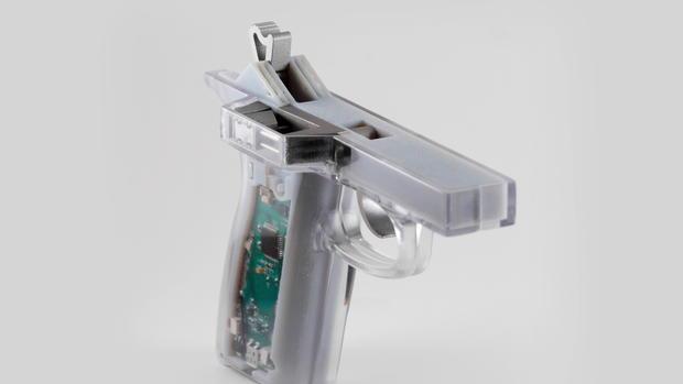 EN_VOICES_SMART GUNS 3.jpg