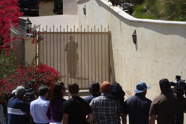 Elvis Presley Celebrity Death Scenes Pictures Cbs News