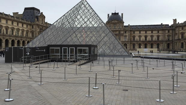 SHOOTING AT THE LOUVRE: French soldier reportedly opens fire during security scare