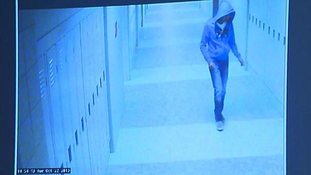 14岁的Philip Chism于2013年在马萨诸塞州丹弗斯Danvers高中的监控录像中出现。