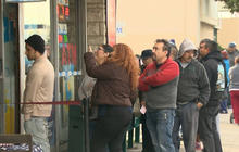 Long lines for Powerball jackpot hopefuls