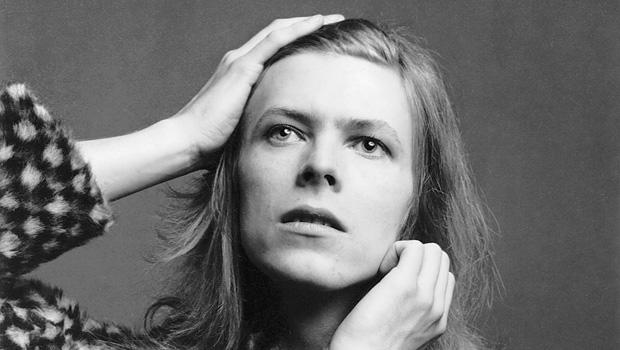 david-bowie-brian-ward-1971-the-david-bowie-archive-620.jpg