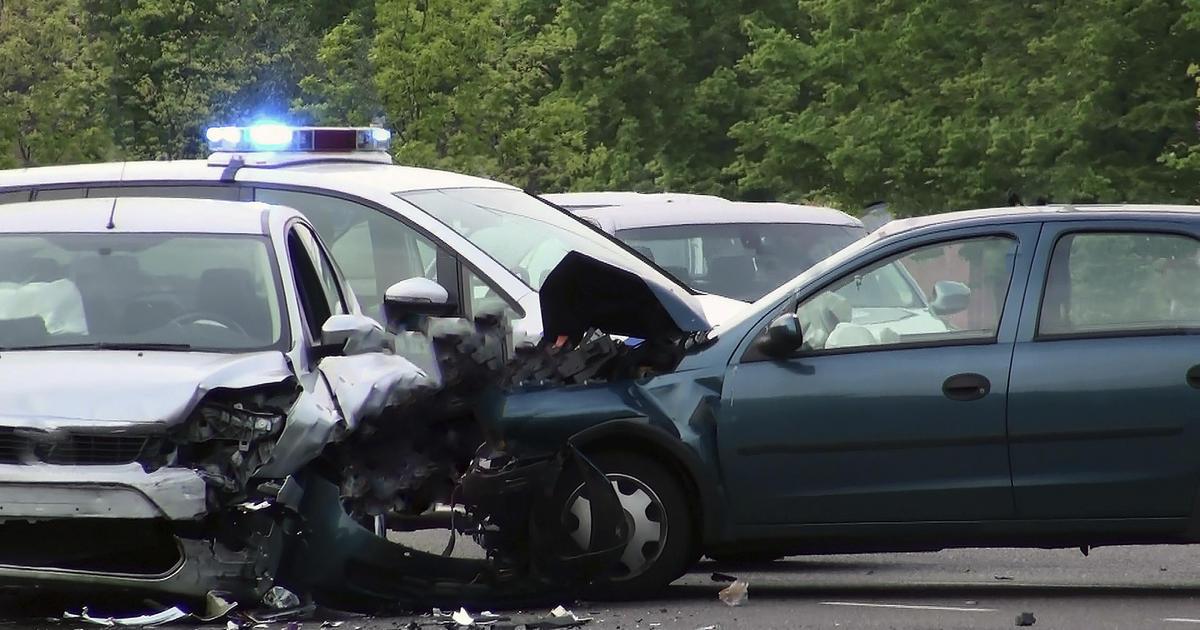 People Die In Car Crash