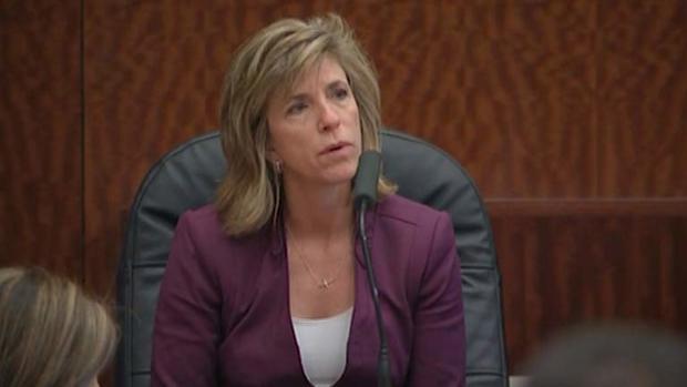 凯莉西格勒作证