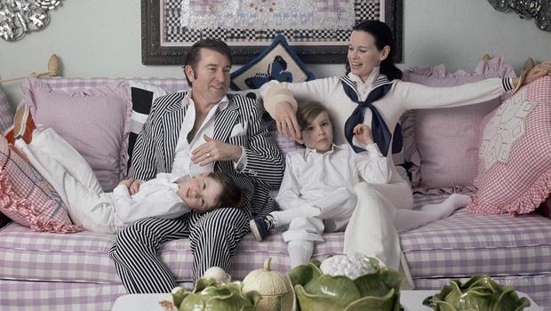 卡特范德比尔特库珀悦 - 埃默里 - 库珀 - 安德森 - 海耶斯 - 库珀 - 格洛丽亚 - 范德比尔特1972年插孔 - 罗宾逊 - 时尚 -  HBO-620.jpg