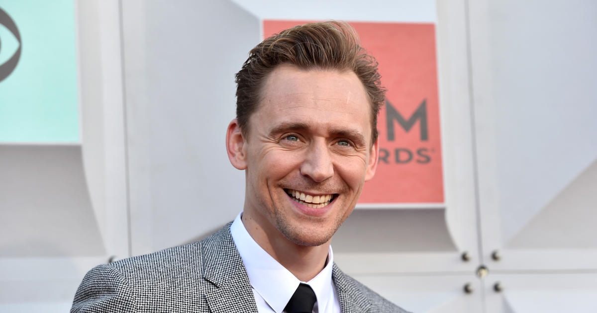 Tom Hiddleston sets the record straight on his relationship with Taylor Swift