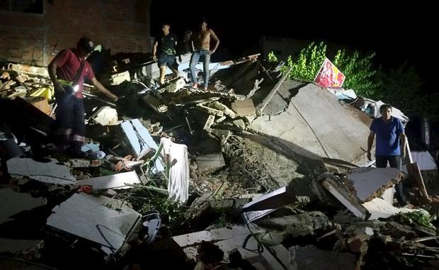 ecuador-earthquake-3.jpg