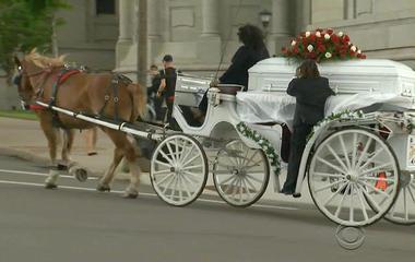 Thousands attend Philando Castile's funeral