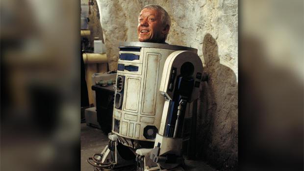 """Kenny Baker, actor inside """"Star Wars"""" droid R2-D2, is dead ..."""