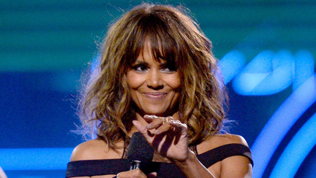 halle berry chugs whiskey on stage at comiccon cbs news