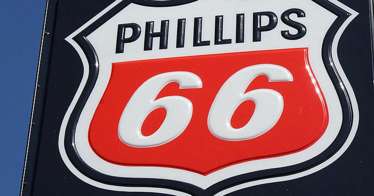 Warren Buffett's company tops up on Phillips 66 shares - CBS News