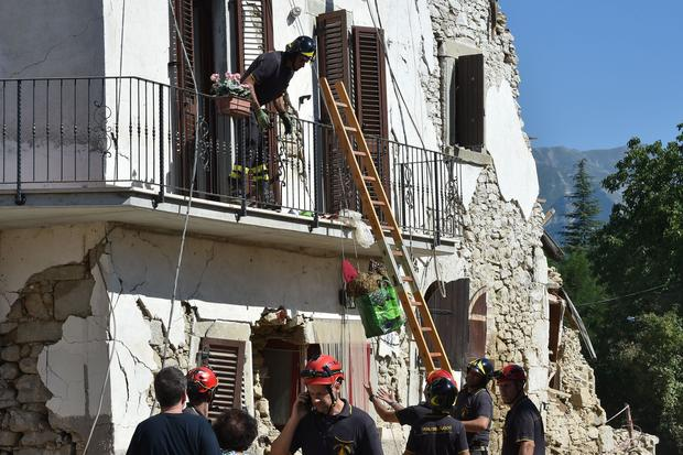 italy-earthquake-gettyimages-596877806.jpg