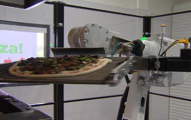 Robotic pizza restaurant opens in California