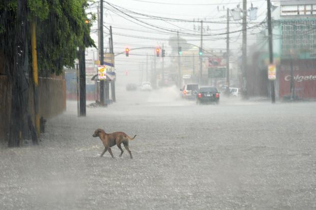 Deadly Hurricane Matthew pounds the Caribbean - CBS News