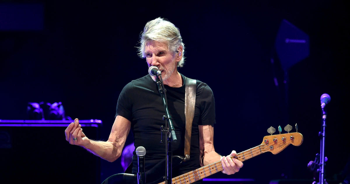 Roger Waters delivers politically charged Desert Trip performance