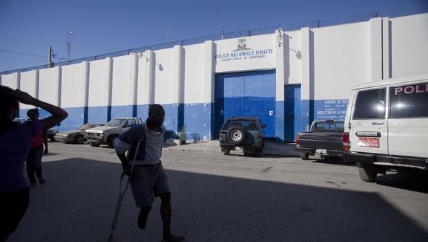 172 inmates escape Haiti jail after killing guard; only a dozen recaptured