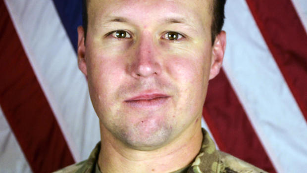 Family of slain Calif. soldier booed on plane