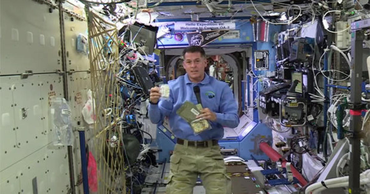 Thanksgiving on International Space Station: Astronaut ...