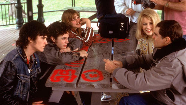 joaquin-phoenix-casey-affleck-alison-folland-nicole-kidman-director-gus-van-sant-on-the-set-of-to-die-for-620.jpg