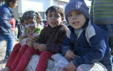 Aleppo slowly falling back into control by Assad regime