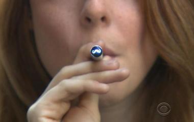 Nicotine in e-cigarettes harmful to teens, surgeon general warns