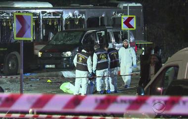 Dozens killed in bombings in Turkey, Egypt