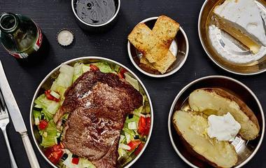 Photographer recreates the last meals of death row