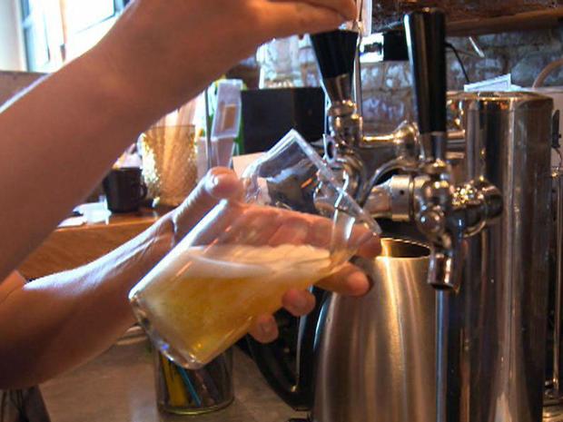 俄勒冈州的公共房屋波特兰啤酒上自来水promo.jpg