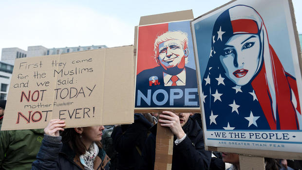 Trump's travel ban: Appeals court refuses to reinstate executive order