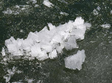 ice-crystals-yellowstone-verne-lehmberg.jpg