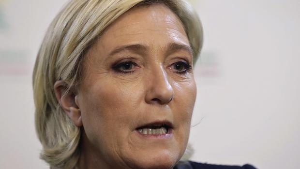 Le Pen in Lebanon controversy over headscarf refusal