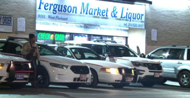 警察在 - 弗格森,便利店,031217.jpg