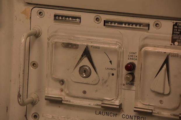 2b-photo-credit-jake-barlow-lauch-control-key-console.jpg